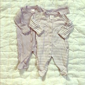 2 Hanna Andersson Footed Sleeper in Organic Cotton